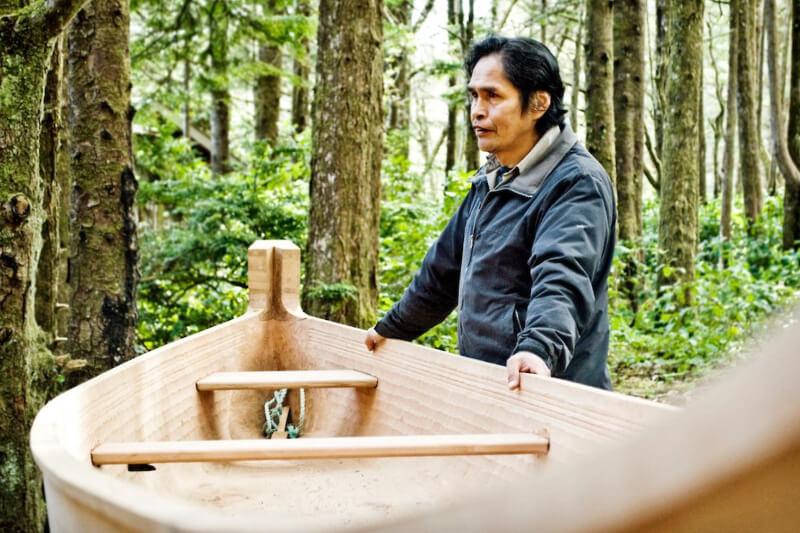 Joe master canoe carver